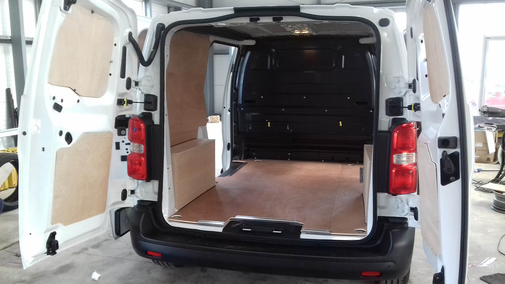Ply Lining Peugeot Expert Van Conversion